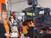 Interview_und_Kinder_am_Rettungswagen