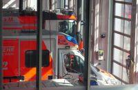 Rettungswagen_in_der_Halle