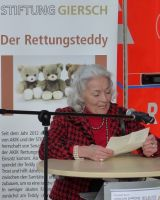 Senatorin_E.h.Karin_Giersch_spricht_zu_den_Anwesenden